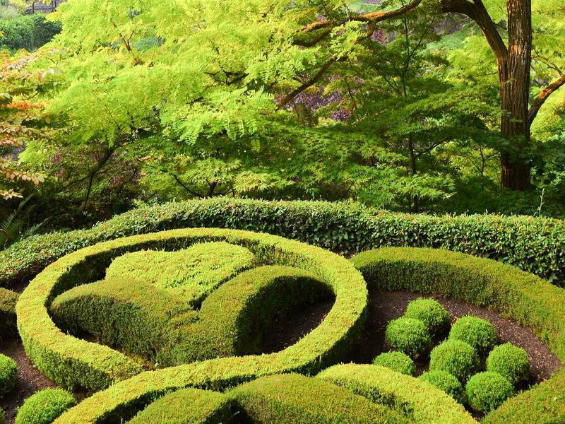The Butchart Gardens in Canada contains Japanese, Rose and Italian gardens.