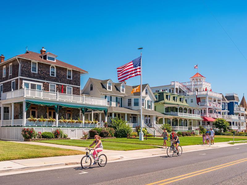 America S Best Super Small Towns Far Wide