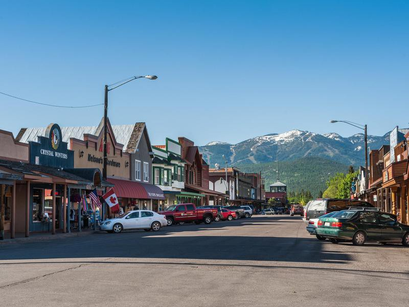 America S Best Super Small Towns Far Wide
