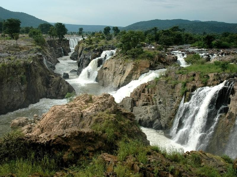 Hogenakkal Falls boasts 14 different channels, all awe-inspiring.
