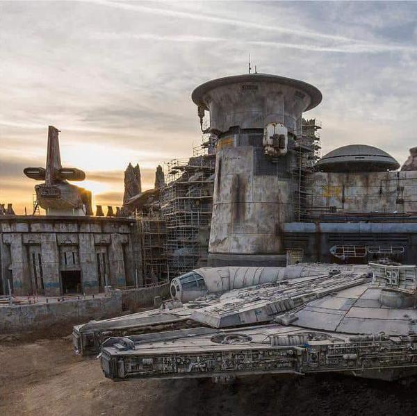 Disney's 'Star Wars: Galaxy's Edge' Attraction Unveiled