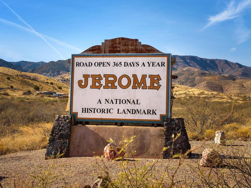 In Jerome, ghost tours of the old mining town highlight its haunted past.