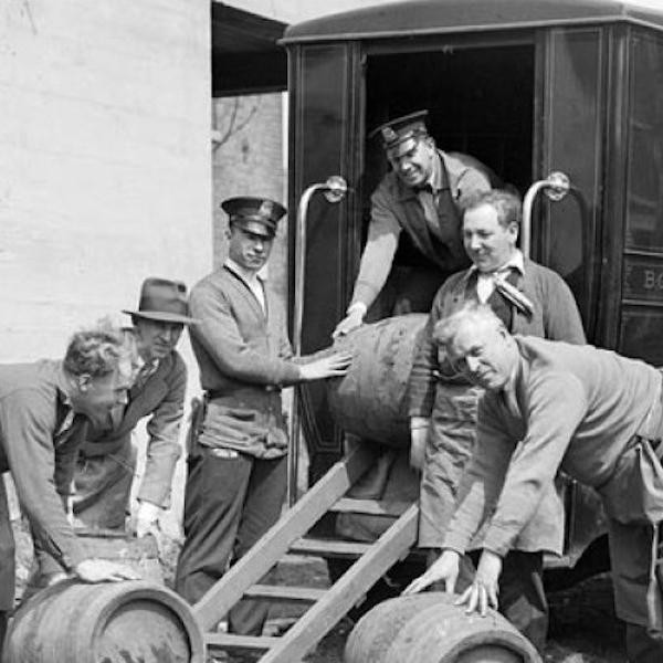 Fascinating History of 15 Prohibition-Era Cities