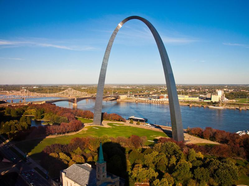 St. Louis's Gateway Arch is a memorial to the United States' westward expansion.