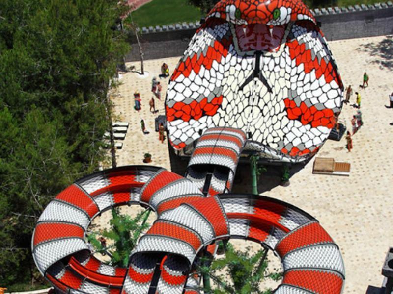 King Cobra es muy popular por una razón.