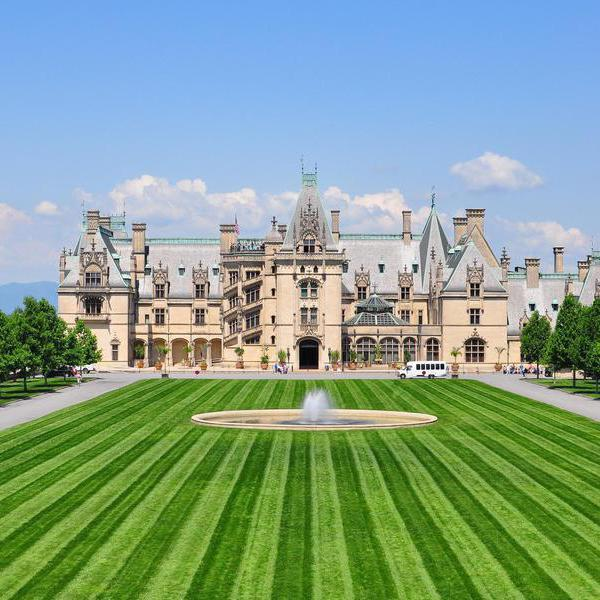 50 of the Most Famous Historic Houses in the World