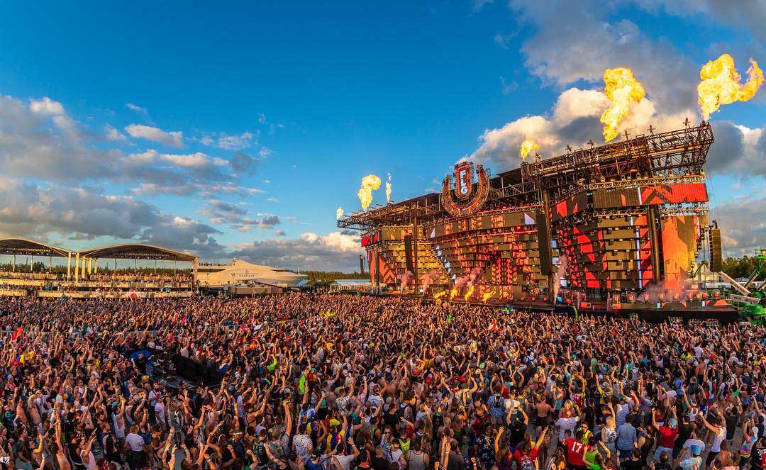 Ultra music festival is a great first date idea according