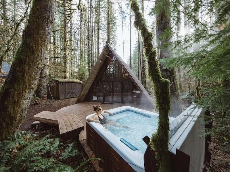 Best Airbnb Cabins With Hot Tubs Far Wide