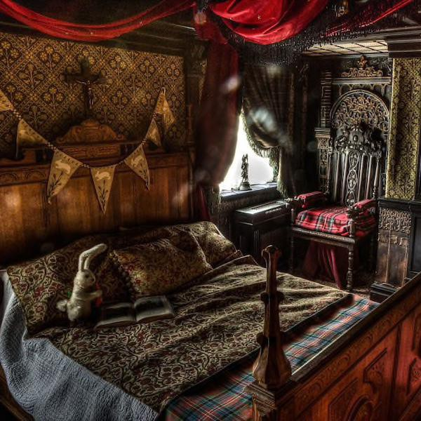 Haunted Airbnbs You Can Stay in — If You Dare!